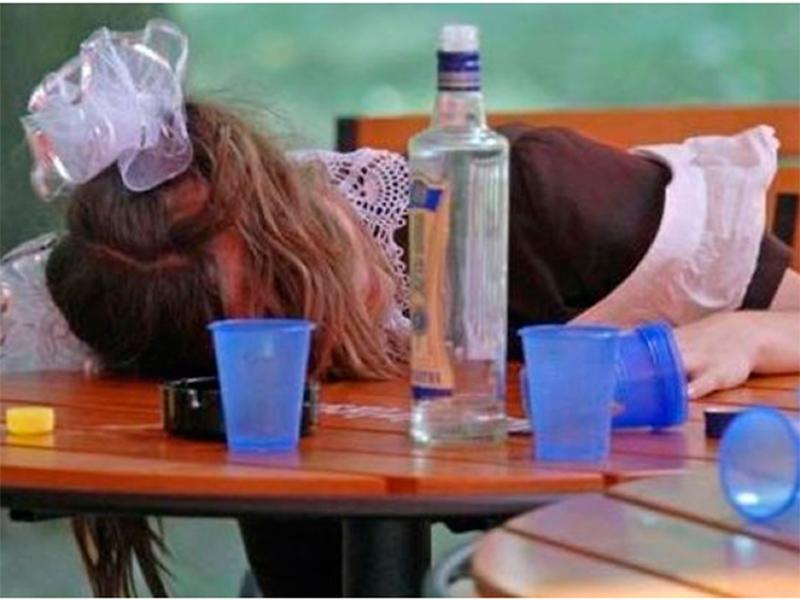 Последний звонок на Херсонщине закончился глобальной пьянкой