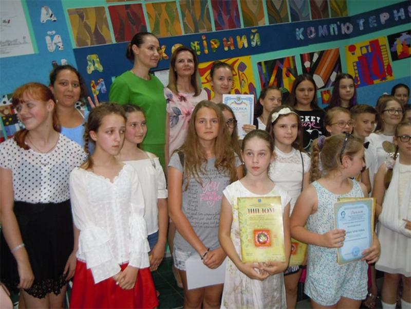 Херсонська  художня школа - одне з найкращих місць для дітей, щоб реалізовувати себе в творчості