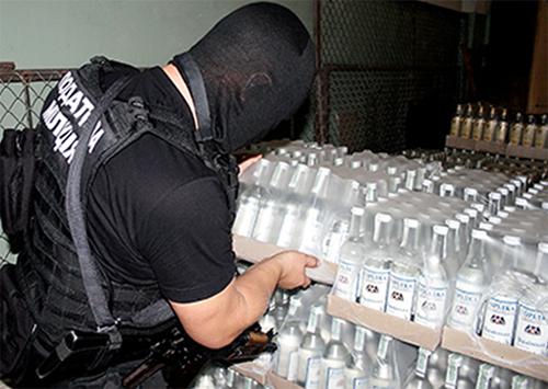 Фальсифіковані алкогольні напої виготовлялись на Херсонщині