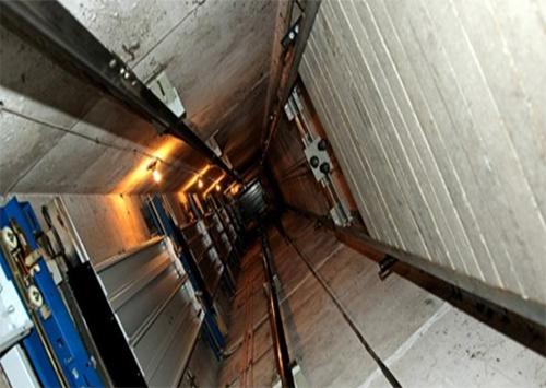 У Цюрупинську проблем у ліфтовому господарстві більше не буде