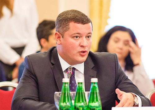 Єгор Устинов: Введення податку на заробітну плату для воєнних потреб - недопустиме