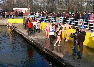 На Крещение у херсонских водоемов будут дежурить спасатели