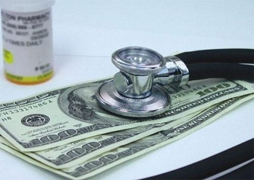 За что, кому и сколько мы платим в херсонских больницах?