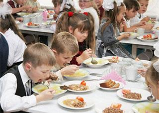 В 2014-м учащихся 5-11 классов будут кормить бесплатно