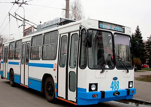 Платить или не платить льготнику в троллейбусе?