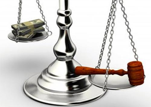 Банкиров-обманщиков покрывают херсонские суды