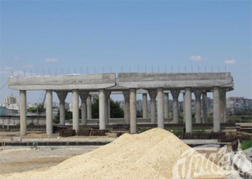 Мостоперехода в Херсоне нет, но банку нужно за него вернуть 12,8 млн. грн.