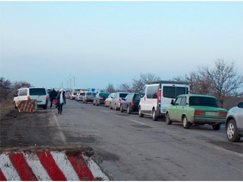 Нелегальные таксисты перекрыли автотрассу на Херсонщине