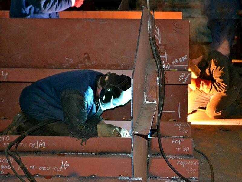 Смарт Меритайм Групп завершает изготовление несущих конструкций для модернизируемых шаланд