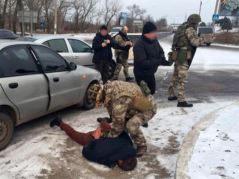 На Херсонщине полицейские арестовали продавца оружия из зоны АТО