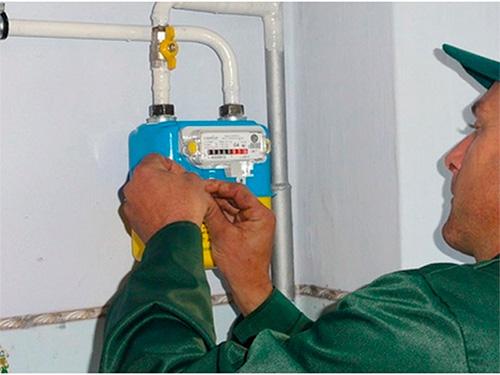 Хто і за чий рахунок зобов'язаний встановити херсонцям лічильник газу