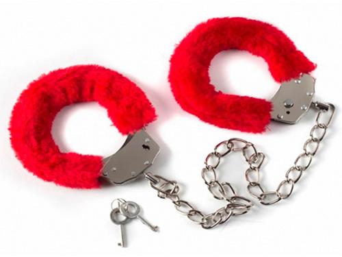 Херсонским пенсионеркам требуются наручники