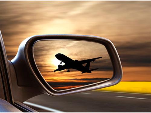 На пассажирах в аэропорту Херсона зарабатывают нелегалы