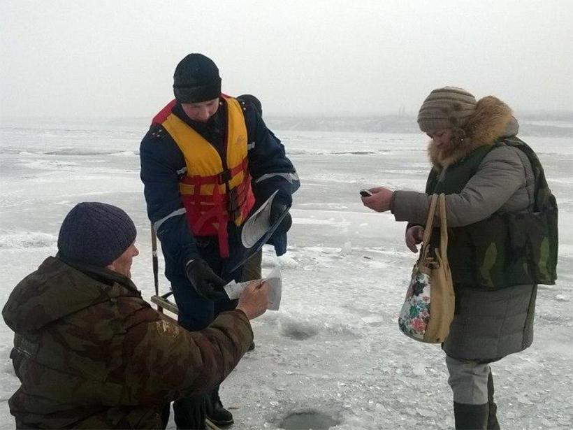 Рятувальники Херсонщини проводять рейди на кризі