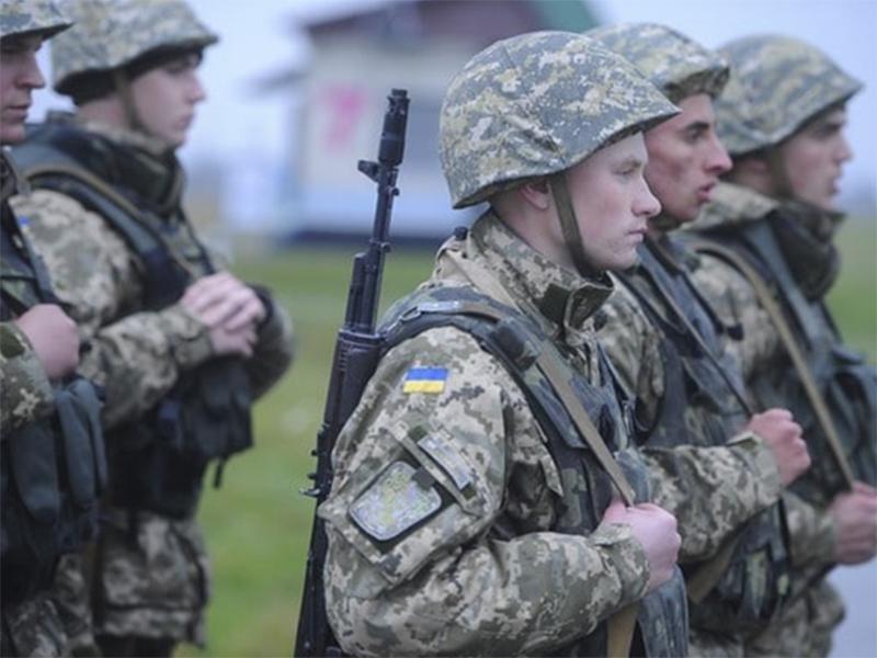 На Херсонщину прибудут тысячи военных