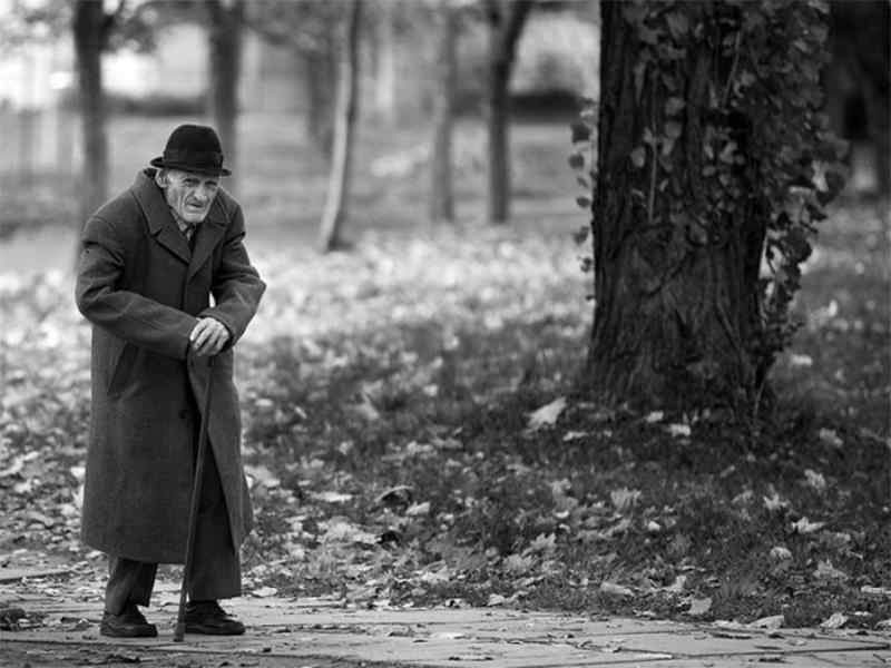 Херсонских стариков на улицах подстерегают грабители