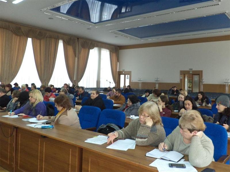 Фіскали Херсонщини вчили ОСББ складати річну звітність та декларувати доходи