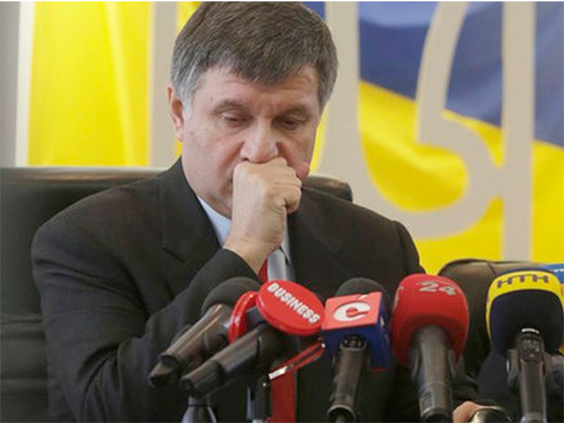 Министр МВД не верит в причастность к убийству активистки руководителя полиции Херсонской области