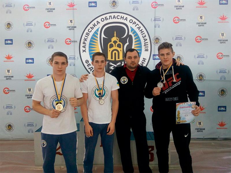 Херсонские боксеры привезли награды с чемпионата Украины
