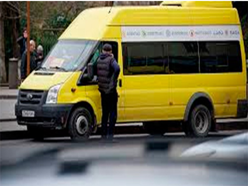 Микроавтобус прокатился по ногам херсонца