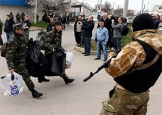 Украинские войска из Крыма передислоцируют в Херсон