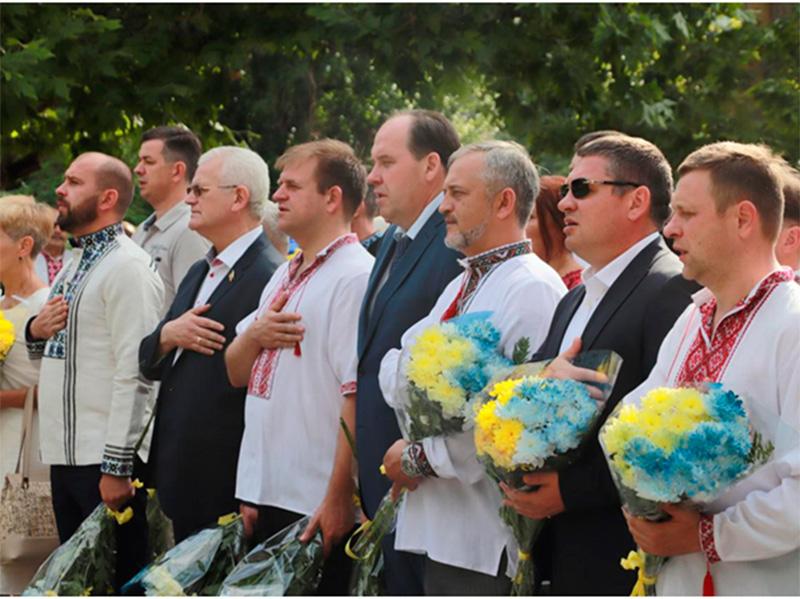 Співаковський привітав херсонців з Днем Конституції
