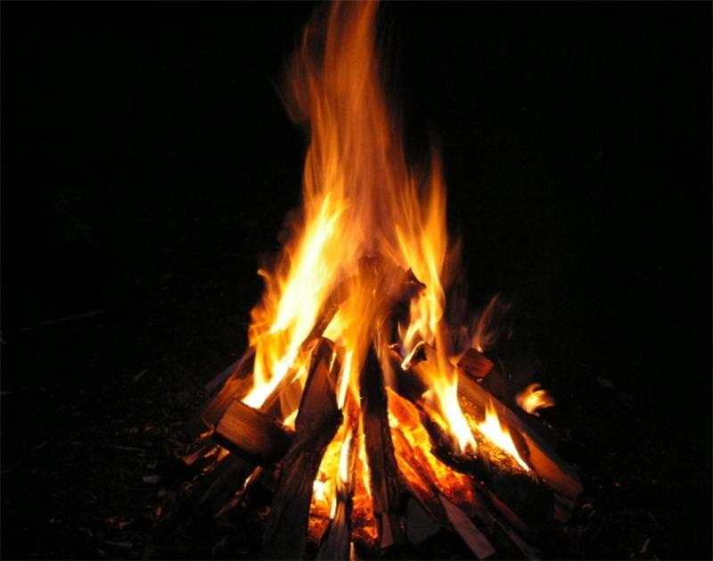 Осквернитель могил сжигал кладбищенские венки на Херсонщине