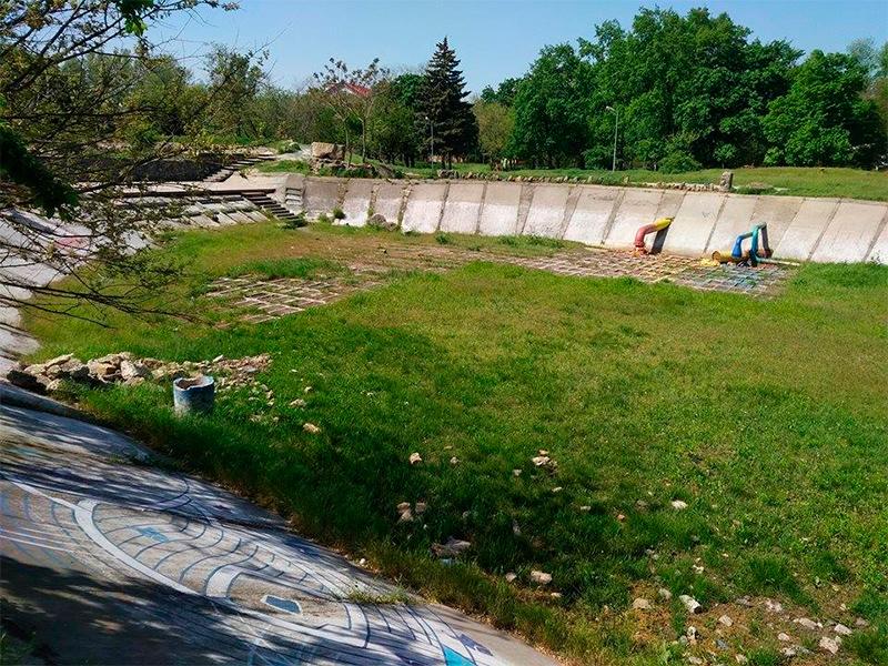 Як відбуватиметься відродження Лебединого озера в Херсоні?