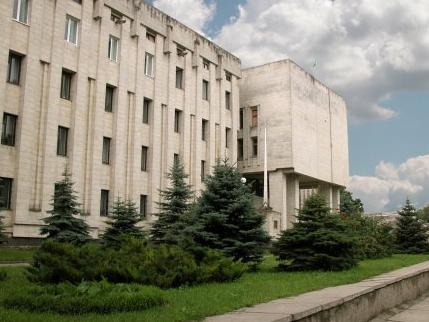 Сессия Каховского городского совета началась в феврале, а закончилась в марте