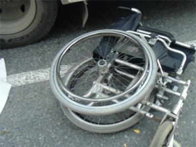 Машина врезалась в инвалидную коляску на Херсонщине