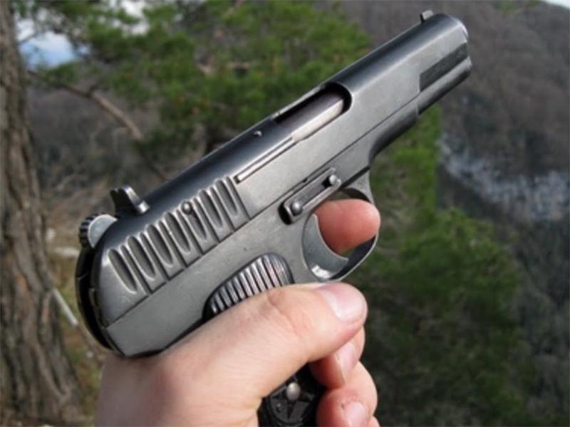Гуляют с пистолетами «настоящие мужчины» на Херсонщине