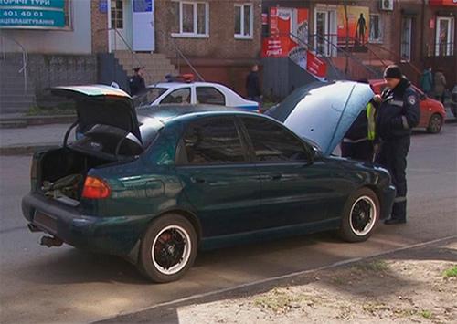 На Херсонщине проверяют подозрительные машины