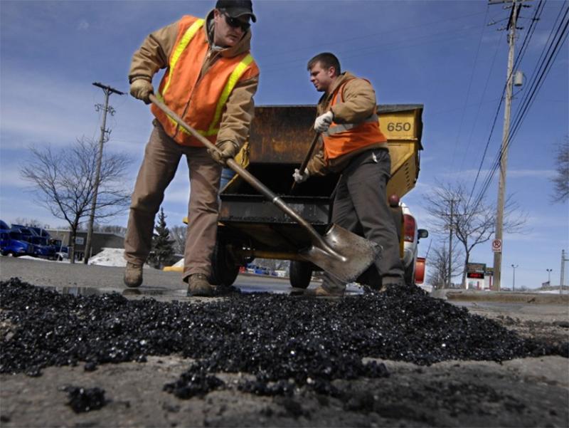 Автотрассы Херсонщины ремонтируют «по кусочкам»