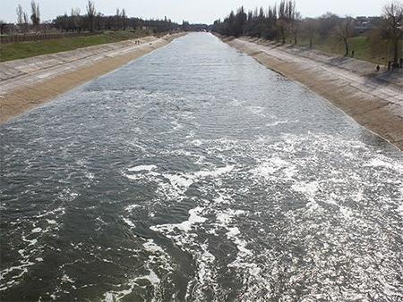 На Херсонщині почали заповнювати Північно-Кримський канал