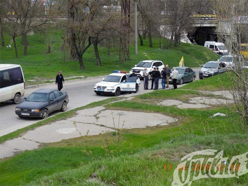 В Херсоне водители протестовали против ям на дорогах