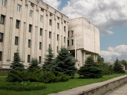 Каховские депутаты отдали участникам АТО земельные участки, но грозят оставить без канализации