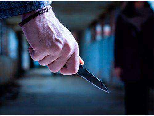 На безхатьків у Херсоні полюють з ножами
