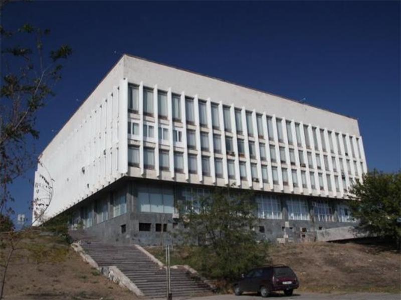 Собрание медицинской библиотеки Херсона могут разделить