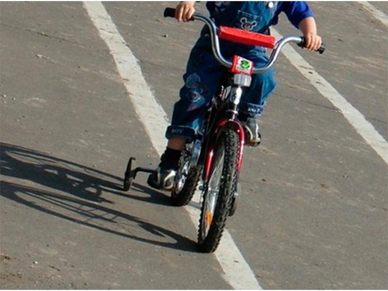 На Херсонщине лихач сбил малыша на детском велосипеде