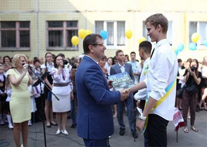 Украине необходимо обновление. Слово за молодежью