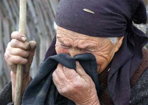 Банда грабителей напала на трех пенсионеров в райцентре на Херсонщине