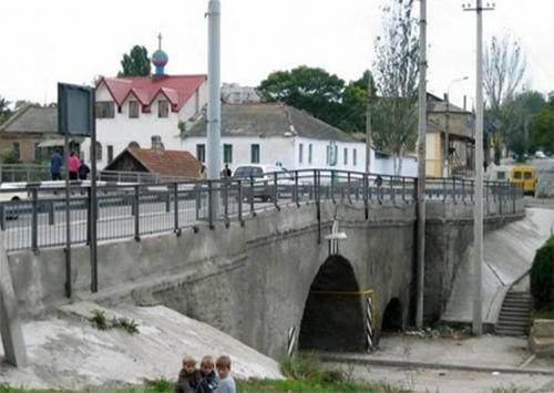Херсонские мосты в центре внимания
