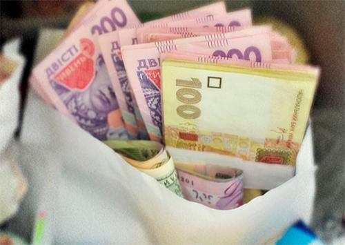 Податкові боржники Херсонщини повернули державі понад 28 мільйонів