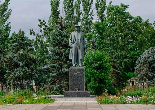 Почему бронзовый Ленин в Скадовске заслужил пощады