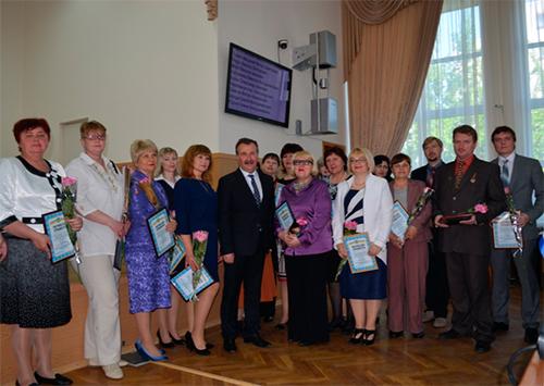 Золотой фонд украинской науки готовят в Академическом лицее Херсона