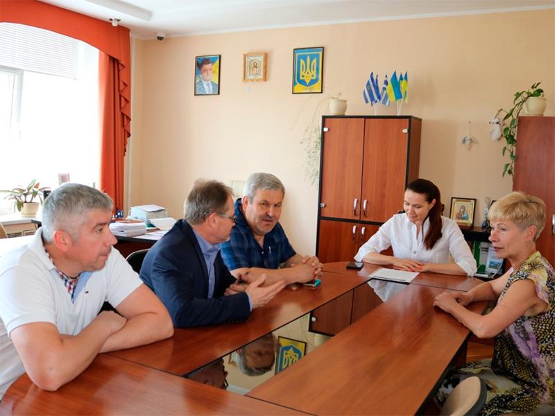 Угорщина допомогає переселенцям, які живуть у Херсоні