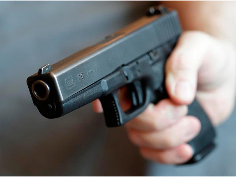 У магазина подстрелили молодого херсонца