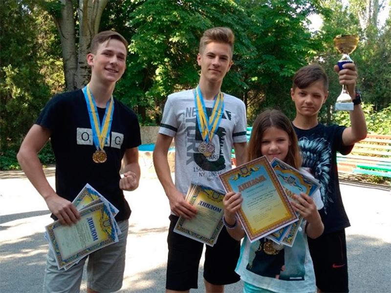 На Херсонщині відбувся ІІІ етап Всеукраїнських змагань з радіозв'язку