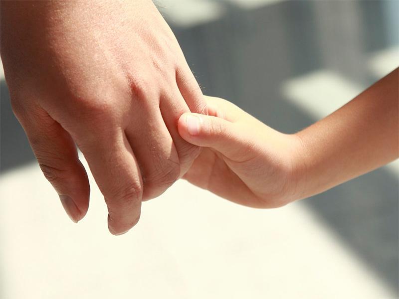 На Херсонщині 766 дітей чекають на нову родину