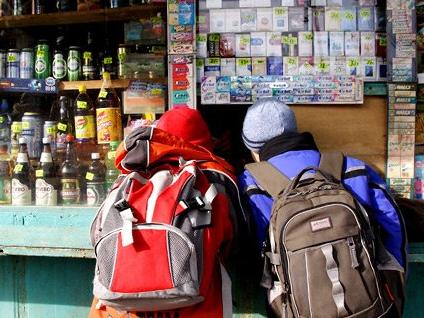 На Херсонщині дітям продають алкоголь та цигарки